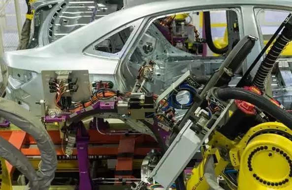 机器人 Robot 机器人网 智能化机器人 自动化 焊接 上海通用 涂胶 喷涂机器人 冲压 机器人网Robotiy.com