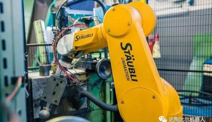 史陶比尔机器人应用于滚球生产