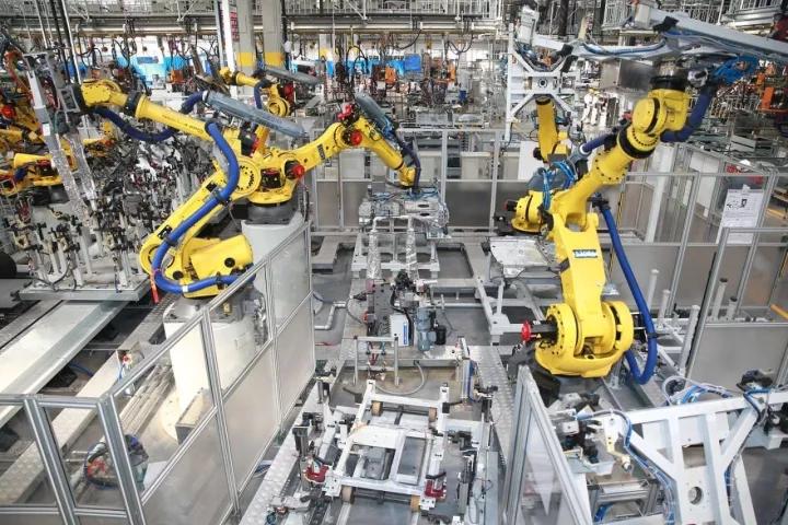 机器人 Robot 机器人网 工业机器人 机器人应用 机器人集成商 长城汽车 自动化生产线 焊接 涂胶 装配 检验 发那科 搬运 机器人网Robotiy.com